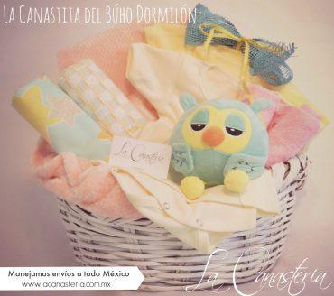 Canasta de Regalo para recién nacida con colores originales