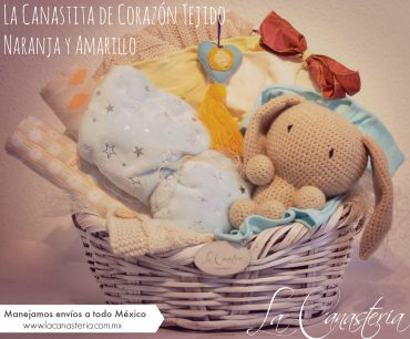 Canasta de regalo fina para niña recién nacida