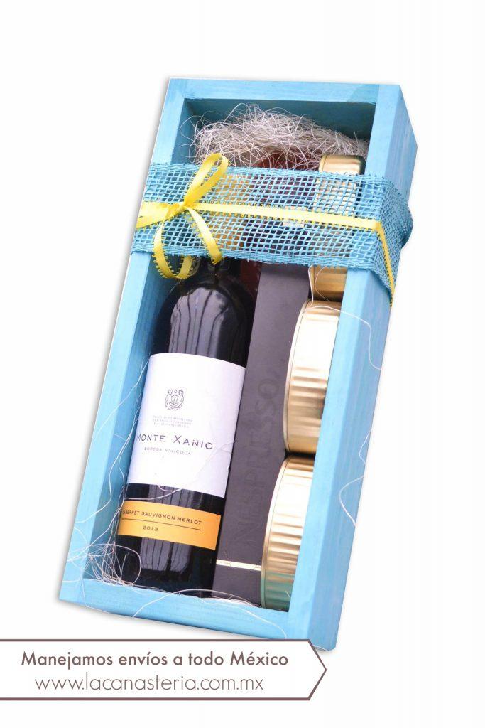 arcones navideños con vino mexicano, cajas de regalo con vino mexicano, arreglos navideños con vino mexicano para empresas