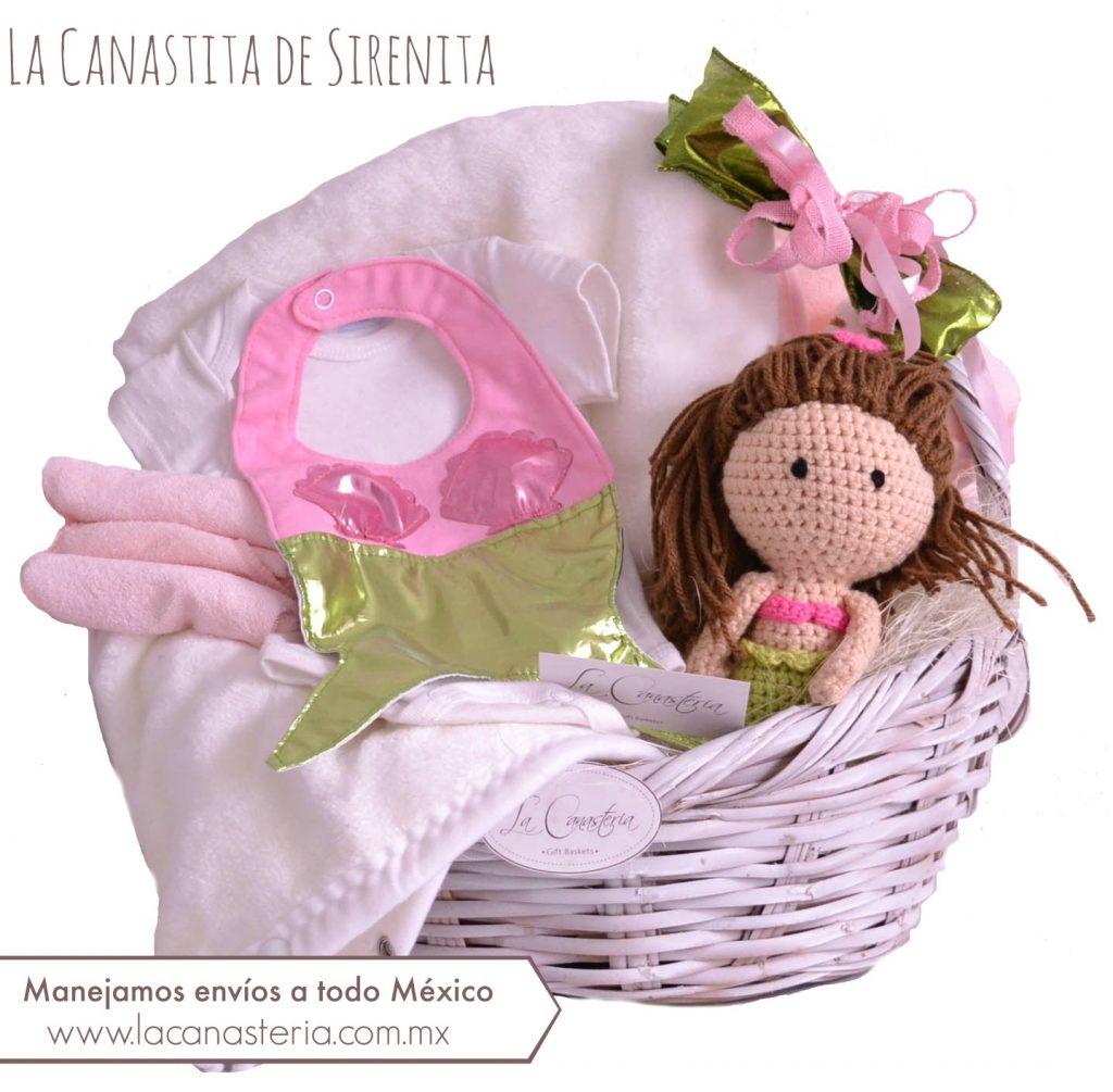Canasta de Regalo para recién nacida con original temática de sirena